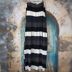 Relaxx-Black, White, and taupe striped maxi dress